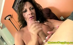 Amateur mature mommy jerking cock