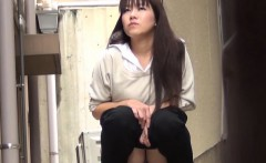 Hot asian girls peeing in alley