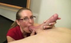 Blowjob loving MILF sluts in threeway