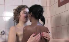 Aussie lesbian amateurs fingering pussy in bath