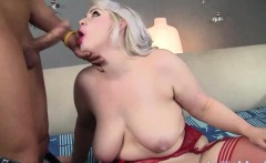 Playinum bolnde plumper gets her pussy hammered