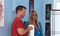 Blond beauty gives great massage with wonderful happy ending