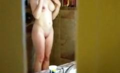 Ruddy Pussy housewife Eline on spy camera