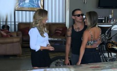Cougar joins the mile high club with her younger date