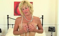 British milf Tori plays with her sex toy