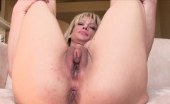 milf toys pussy and ass