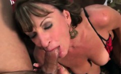 Jana takes on a huge cock in her old cunt