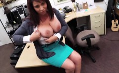 MILF spread legs for a great fucked