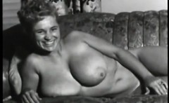 Sexy hairy classic mother on show