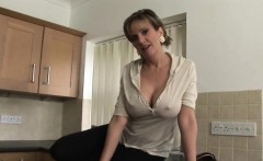 Unfaithful british mature lady sonia shows off her massive k