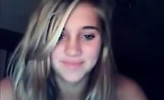 Teen showing slim body at webcam