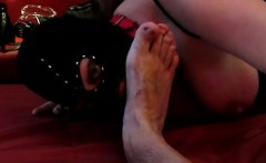 program quantity 17: slave licking on my toes