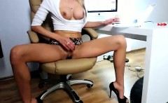 Squirting Cam Girl is a Tall Hot Blonde