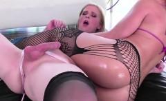 Blonde Trans Tarynxo Fucks Female Babe