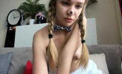 amateur blonde solo webcam