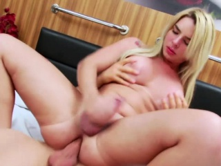 Big ass shemale bounces ass to huge cock