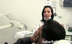 Igienista dentale fa Pompino