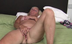 Cute girlfriend doggystyle creampie