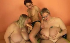 MILF fuck girl with strapon