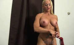 Blonde Muscle Babe Jill Gets Off