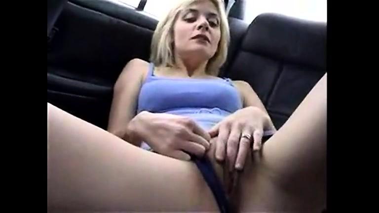Mischievous pissing women - Backseat pissing - EroProfile
