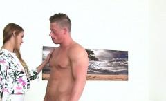 Female agent strips leggings and fucks in casting