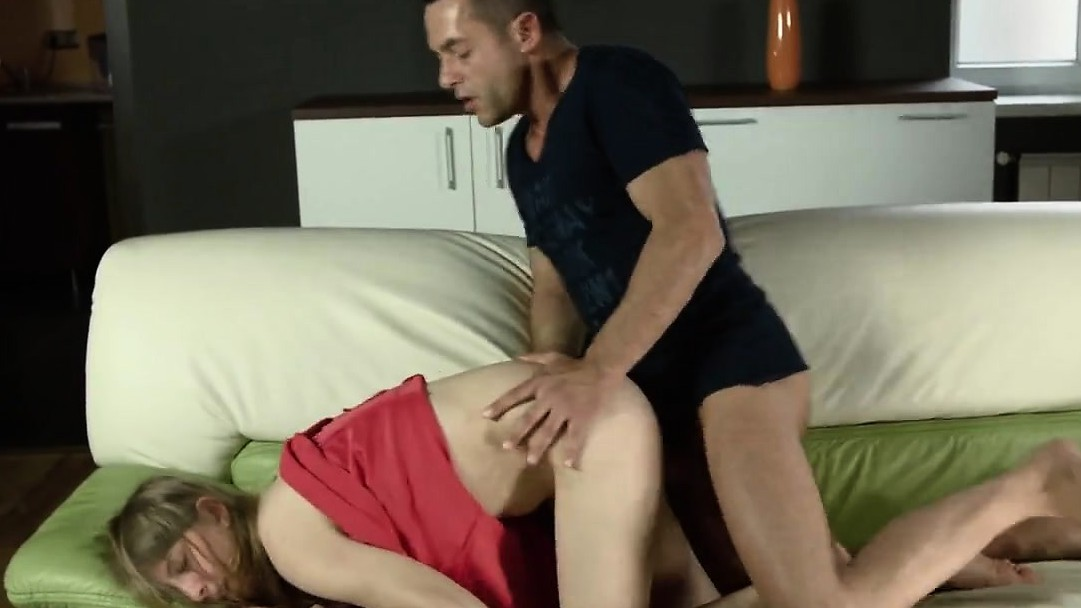 Lovesome Nympho Opens Up Spread Vagina And Gets Deflorated