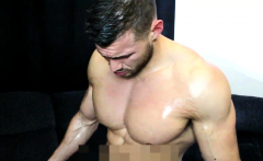 OILY MUSCLE PORN