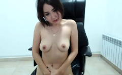 Hot Amateur Teen Girl Toying And Fingering On Webcam