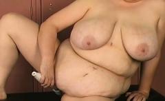 Woman screams with man smashing her fur pie in bondage