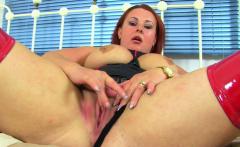 English BBW milf Sarah Jane dildos her tight fanny