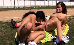 Outdoor lovers first time Sporty teens eating each other