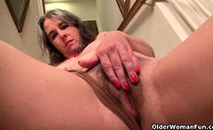 Hairy milf Susana Moore from the USA spreads her pussy