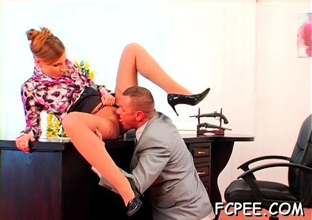 Gorgeous beauty Morgan Moon gets squeezed and teased