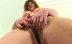 French milf Chloe spreads her legs for finger fun
