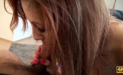 HUNT4K. Jenifer Red spreads her legs and gets