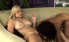 Lesbian babe eats neighbors black pussy