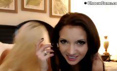 Two Russian Webcam Lesbians