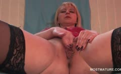 Blonde hot mature finger fucking her craving wet twat