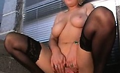Amateur milf extreme pissing fetish
